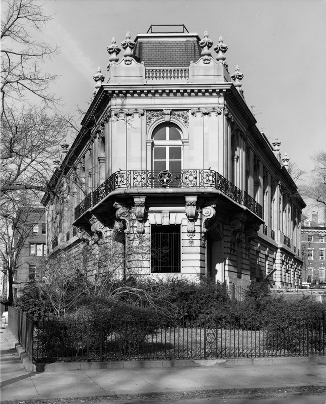 Perry Belmont House, south Corcoran Street facade, may 1983